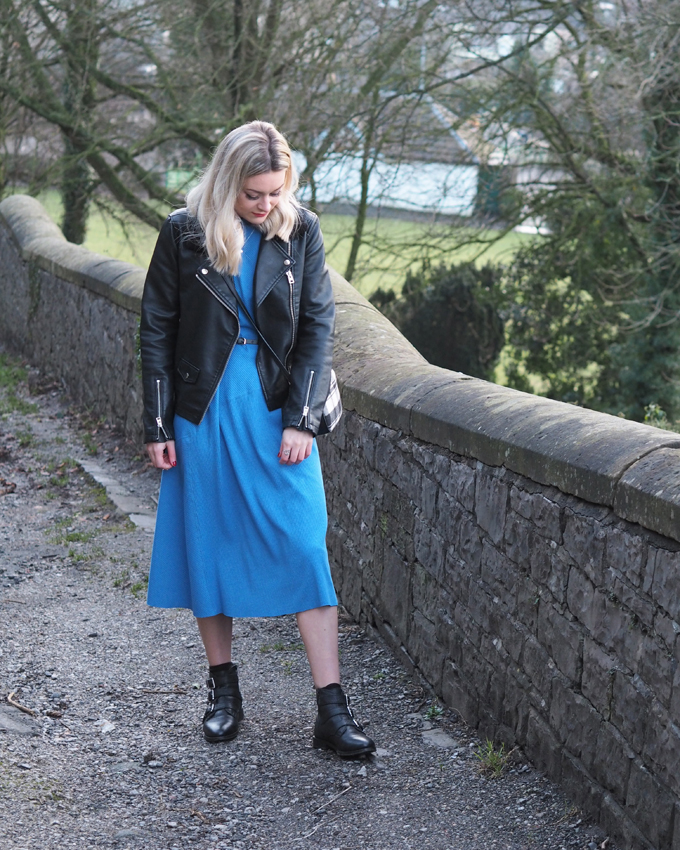Ways to wear a midi dress in winter - blue zara midi with boots
