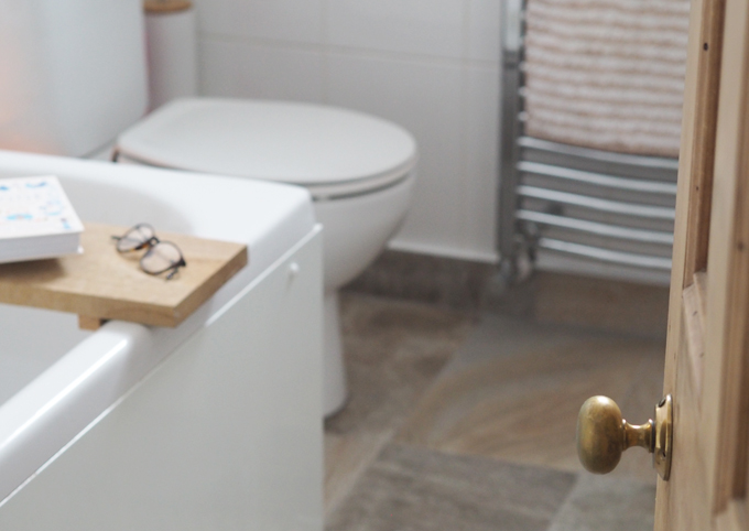 3 Easy Ways to Makeover your Bathroom on a Budget door handle