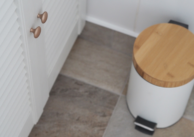 3 Easy Ways to Makeover your Bathroom on a Budget cabinates