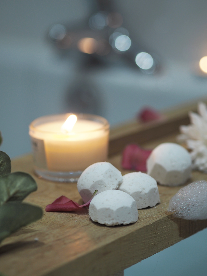 How To DIY Mini Bath Bombs for Mother's Day bath tray