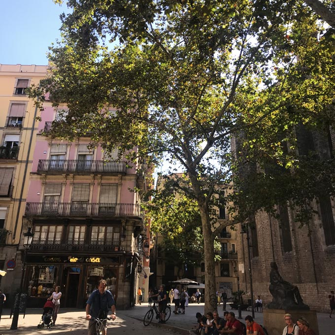 4 places to eat in Barcelona - Streets of Barcelona