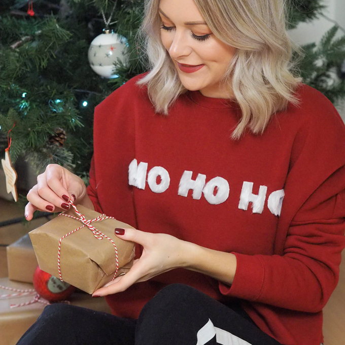 How to DIY Christmas Jumper | MadeUpStyle.com